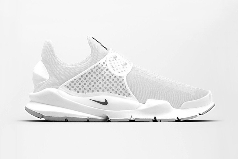 nike-sock-dart-triple-white-1